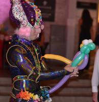 Senior class unites students for Cirque du Soleil-inspired prom