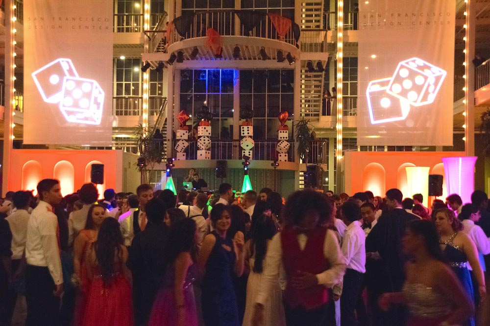 Senior Class Puts On Casino Royale Prom The Aragon Outlook