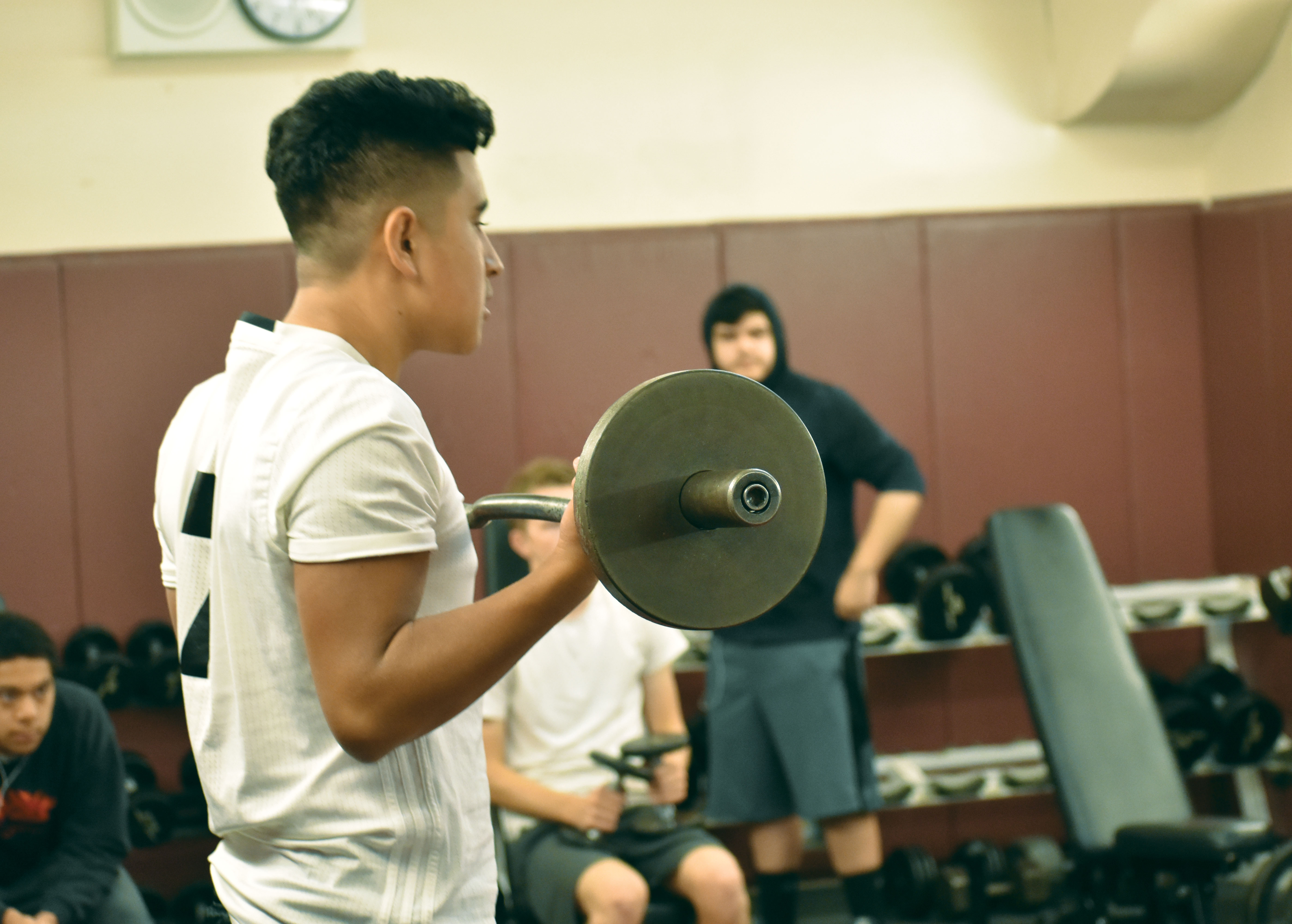 A look at the relationship between weightlifting and teen growth